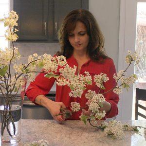 EDIT5 Meg flower arranging